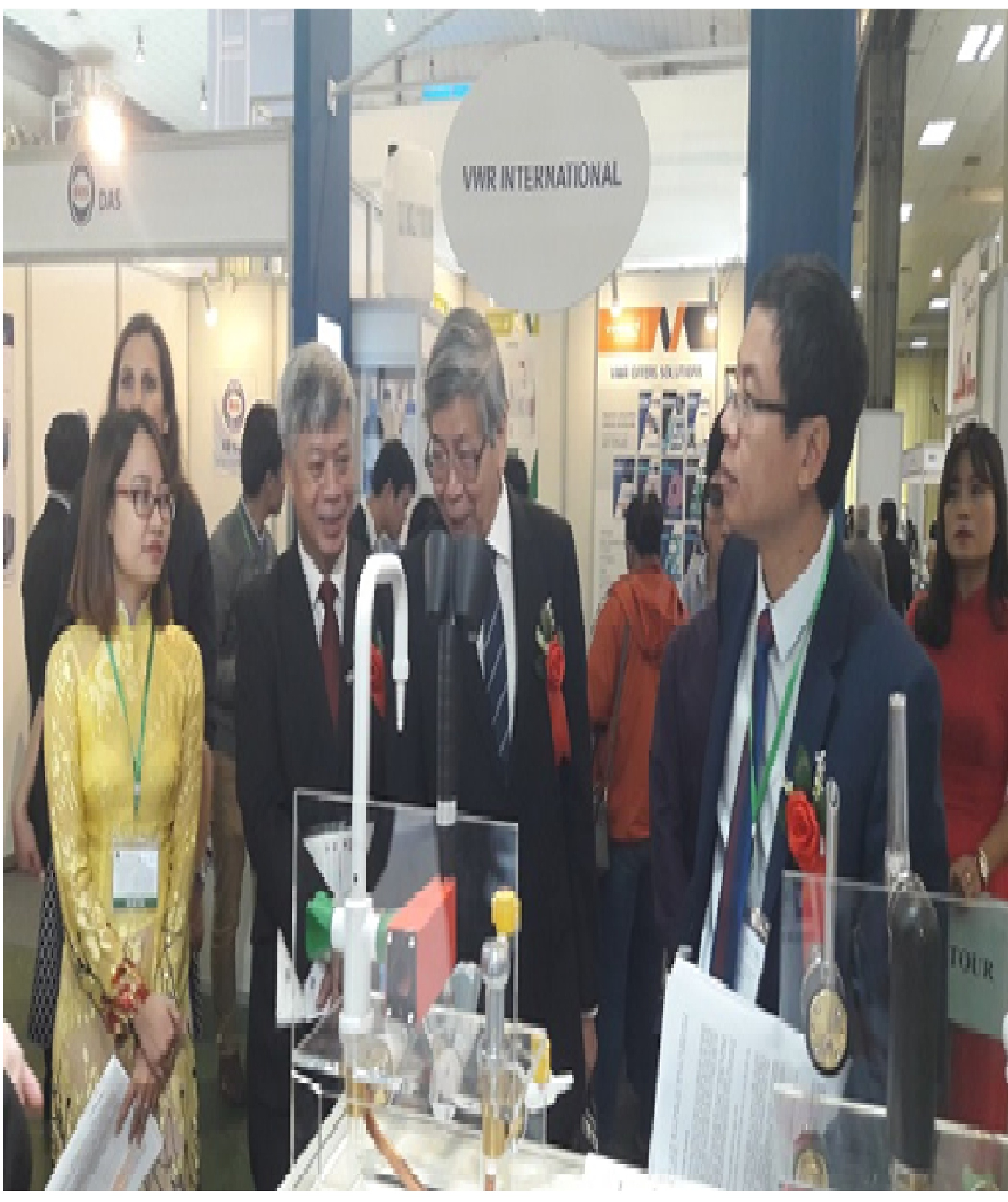 http://motthegioi.vn/media/thuanh/29_03_2017/tiep-can-nhung-cong-nghe-tien-tien-the-gioi-tai-analytica-vietnam-2017-anh-4.jpg